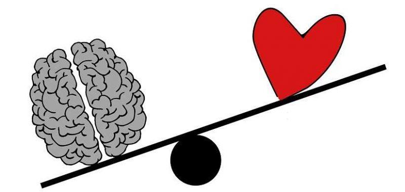 התפתחות רוחנית, מוח ולב נמצאים על מאזניים המוח שוקל יותר