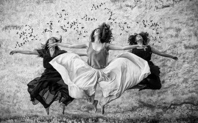 טיפול גוף נפש לחוויית הוויה, שלוש נשים קופצות באוויר