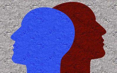 איך לעשות שינוי בחיים, צלליות של ראשים בצבע כחול ואדום