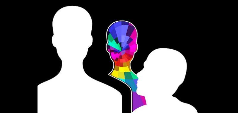 כוחו של התת מודע, צללית של איש בלבן וצללית בצבעים